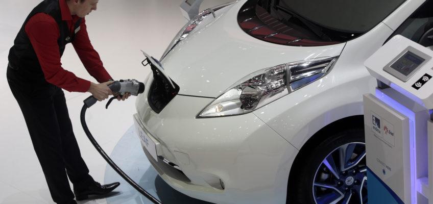 Nel 2040, saranno 530milioni le auto elettriche circolanti