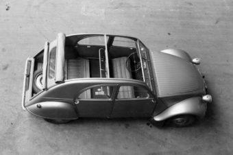 Citroen 2CV, la piccola bicilindrica , compie 70 anni.