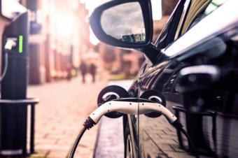 60 mln di veicoli elettrici nel 2040, secondo BNEF